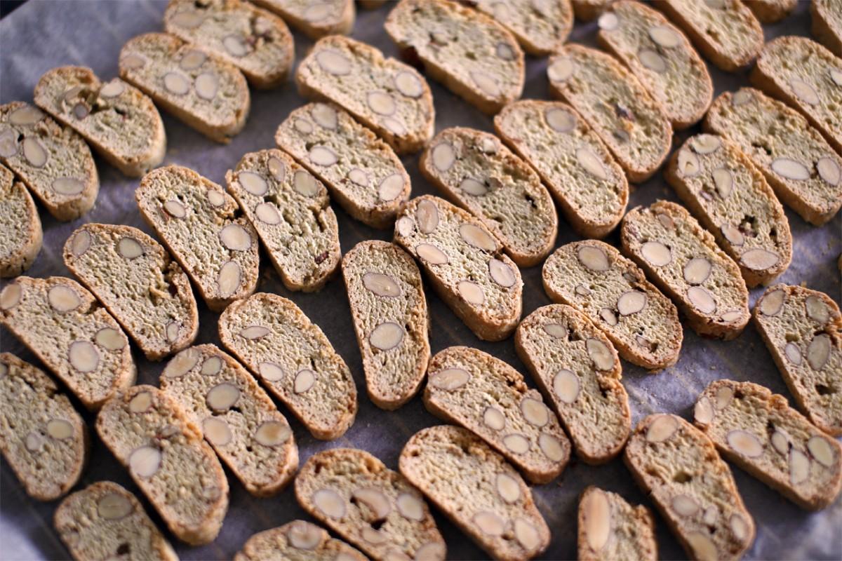Biscotti med rosmarin og lime