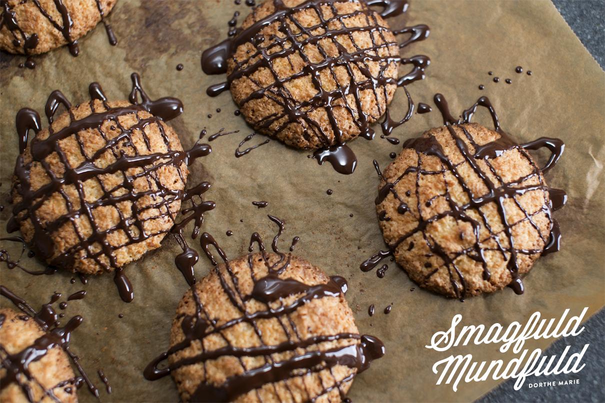 Bløde cookies med kokos og marcipan