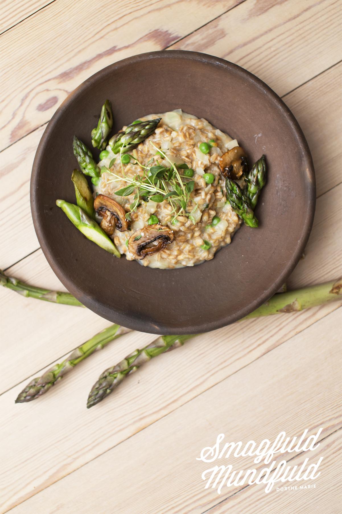 speltotto med svampe og asparges
