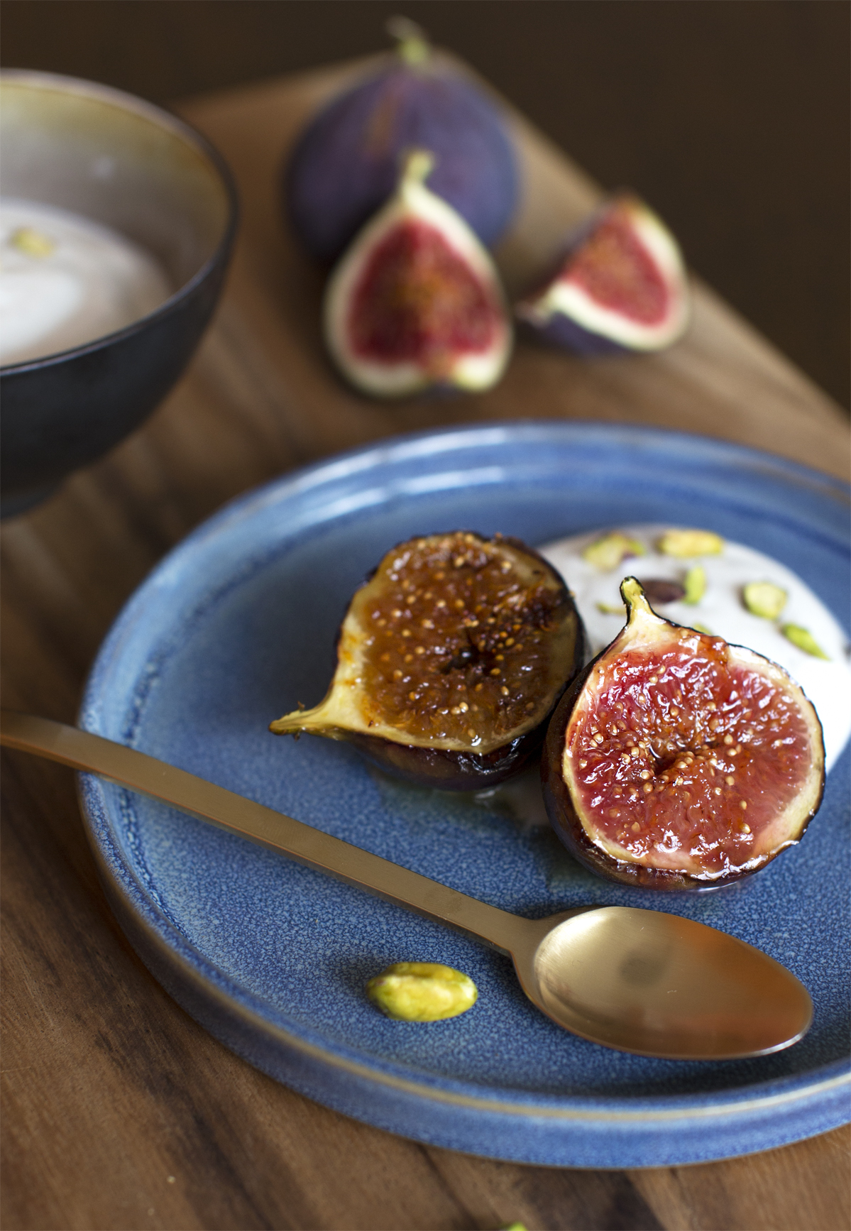 Honningstegte figner med citronyoghurt