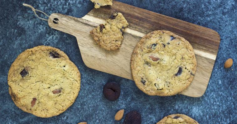 Cookies med mandler, chokolade og abrikoser