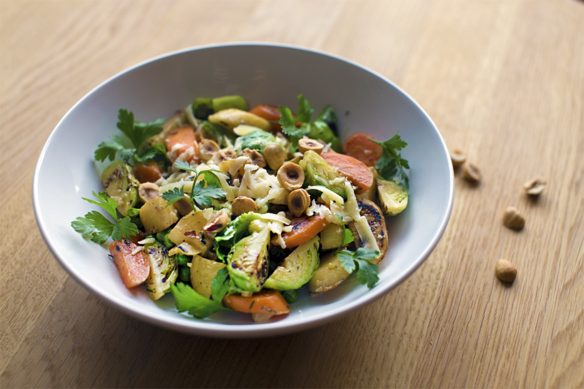 Cremede grøntsager med hasselnødder